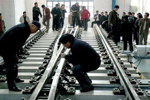 河南火车道岔