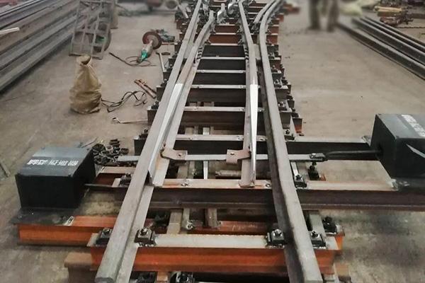 整体道岔  修地铁盾构抗用的Dk943.6.30整体道岔