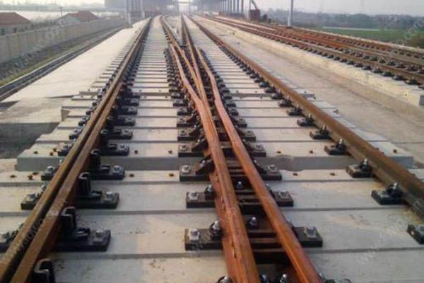 清理工矿铁路配件有什么困难